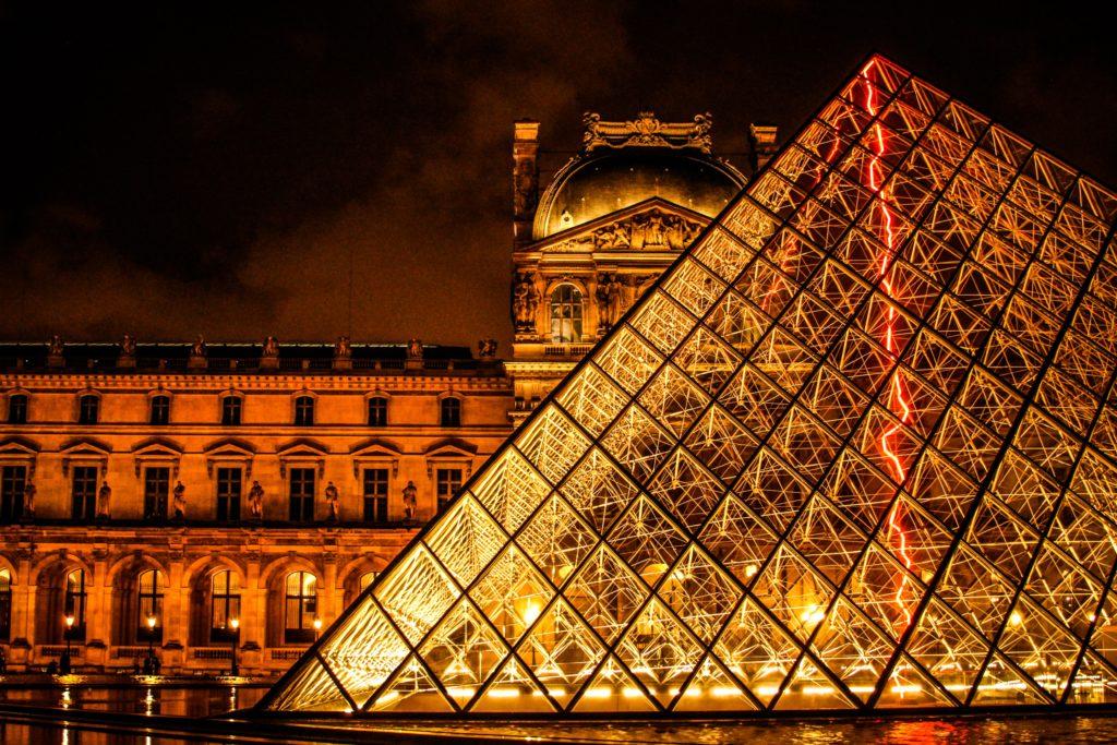 Paryż Luwr